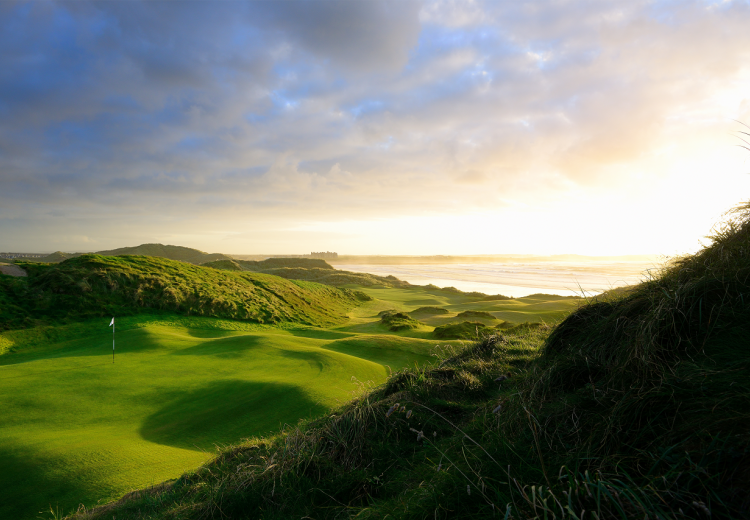 Trump International Golf Links & Hotel Doonbeg: 2 Green Fees + Range Balls + Strokesaver (42% OFF)