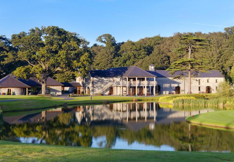 Fota Island Resort: 2 Green Fees & 2 Clubhouse Burgers (51% OFF)