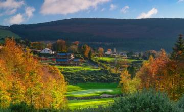 Macreddin Golf Club: 2  Green Fees (45% OFF)
