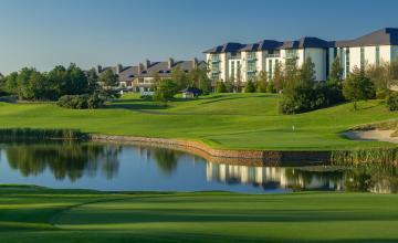 The Heritage Golf Resort: 2 or 4 Green Fees + Tea/Coffee (23% OFF)
